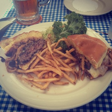 Mushroom Burger at Lucille's Smokehouse Barb-E-Que, Lake Forest