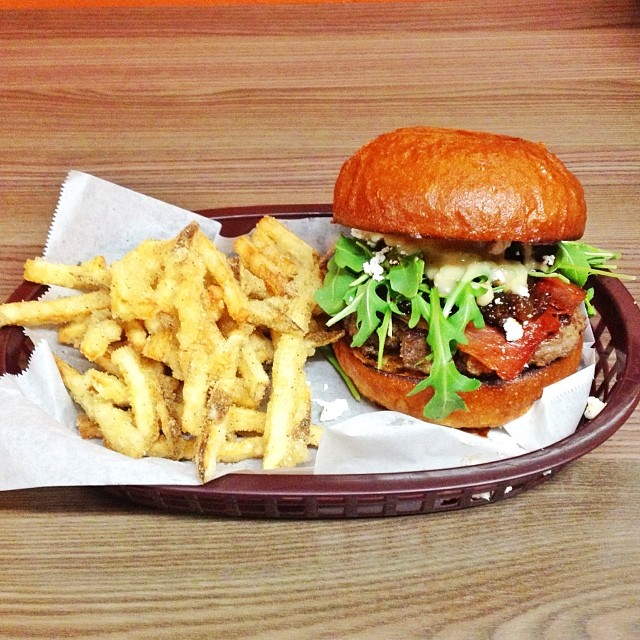 twist burger, san diego, doms favorite burgers